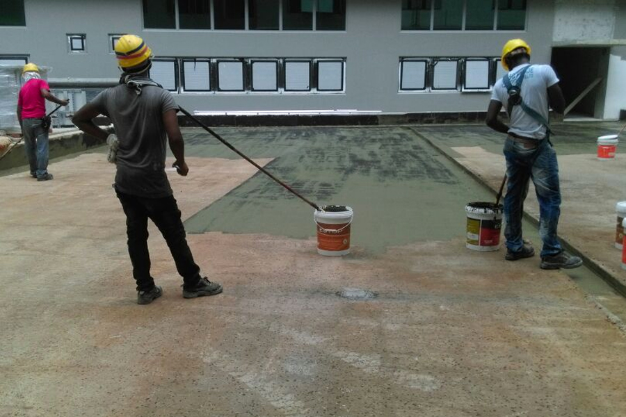 applying-liquid-membrane