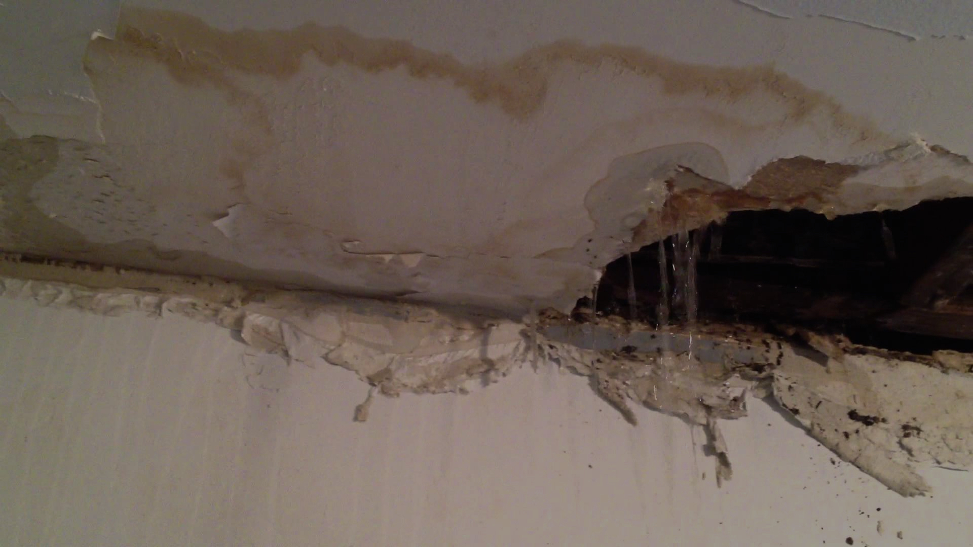 Leak-In-Ceiling-Under-Bathroom Bathroom Ceiling Leak. - Youtube
