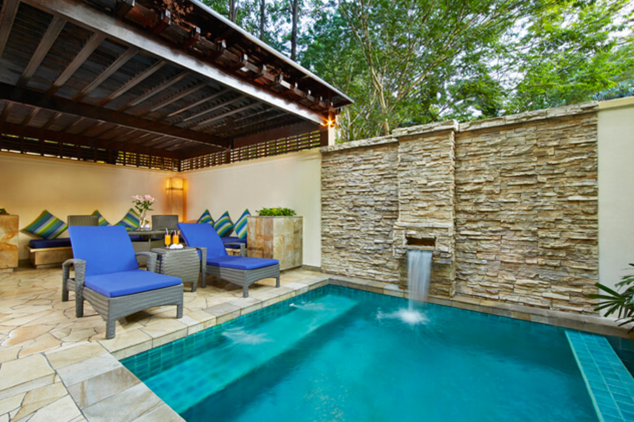 small-villa-pool